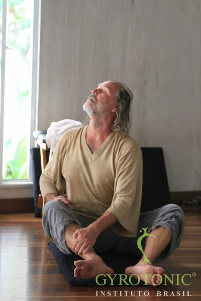 Gyrokinesis-Breathing-Workshop-Rio-2011 (12)