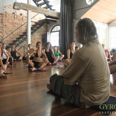 Gyrokinesis-Breathing-Workshop-Rio-2011 (15)